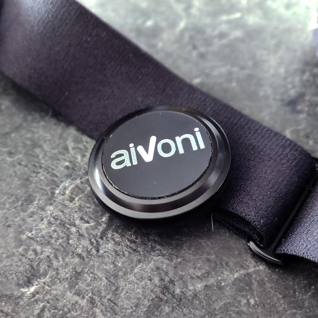 AiVoni-sensori ja Suunto Smart sensor sykevyö