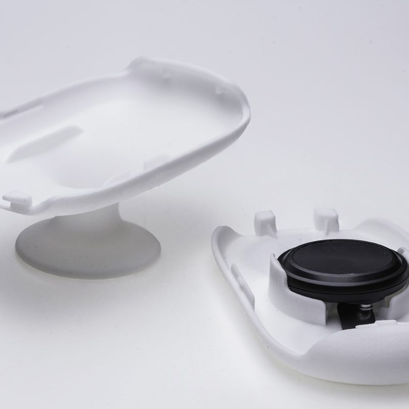 AiVoni electrodes and AiVoni sensor on a table